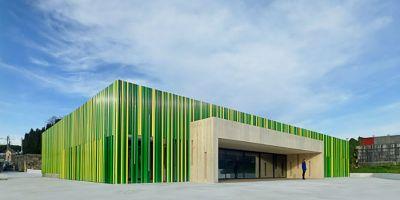 El Centro Social de Salcedo publicado en Archdaily, Plataforma Arquitectura y Architizer